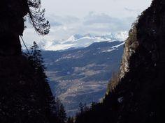 Ausblicke auf Schneegipfel (Schlern, Rosengarten)