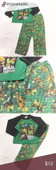 Ninja Turtles Pajamas sz XS Ninja Turtles Pajamas. Soft warm material. Size XS. Normal wash wear. Nickelodeon Pajamas Pajama Sets
