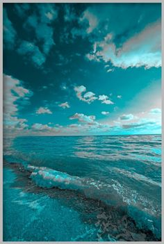 Turquoise water and sky...heavenly!