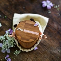 ZAO Make Up Product Beauty Tips, Beauty Hacks, Organic Beauty, Boss Lady, Coin Purse, Make Up, My Favorite Things, Yellow, Coin Purses