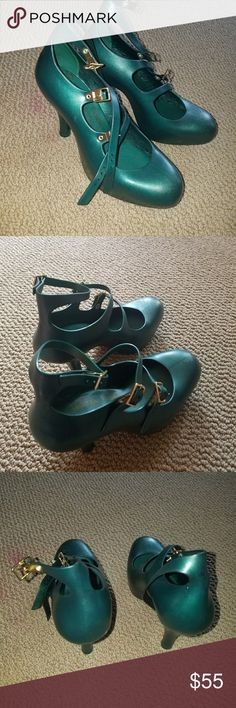viviene westwood anglomania jelly melissa shoes light wear but un noticeable very durable and comfy.was bought online from UK Vivienne Westwood Shoes Heels