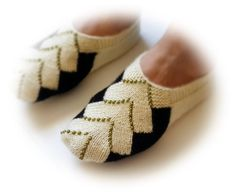 Beige Hand knit women house slipper Traditional by medusa12, $25.00