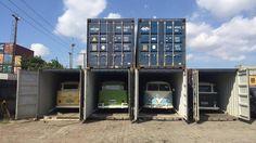 A cena se repete, semana sim, semana não, no Porto de Santos: os caminhões-prancha chegam trazendo dezenas de velhas Kombis que são estacionadas em um pátio e, depois, amarradas dentro de contêiner… By, By as velhas senhoras...