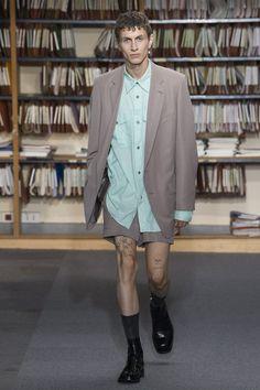https://www.vogue.com/fashion-shows/spring-2018-menswear/dries-van-noten/slideshow/collection