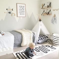 10 Adorable Kids Room Ideas and Inspiration More than ever, parents are carrying the latest contemporary design ideas into their kids' rooms. From soft neutral colors to natural textiles, children's bedrooms and playrooms are greener, more modern, and Boy Toddler Bedroom, Big Boy Bedrooms, Toddler Rooms, Baby Bedroom, Baby Boy Rooms, Kids Rooms, Young Boys Bedroom Ideas, Childrens Bedrooms Boys, Little Boys Rooms