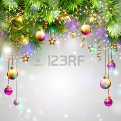illustration boule de noel brillante: Milieux de Noël avec des boules de soirée, guirlandes et sapins branches