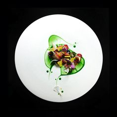 From the most diverse ingredients, Chef Yann Bernard Lejard creates exquisite food compositions while using a plate as his canvas.