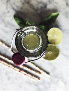 Summer drinks: basil and ginger lemonade recipe Basil Lemonade, Ginger Lemonade, Easy Healthy Recipes, Healthy Drinks, Gourmet Recipes, Drink Recipes, Coffee Bad For You, Vegetarian Italian Recipes, Ginger Honey Lemon