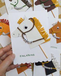 Pferde Party zum Kindergeburtstag ☆ für Mädchen & Jungen » Ideen, Deko & Einladungskarten selber machen » Jetzt Party-Tipps entdecken! Birthday Crafts, Birthday Party Themes, Farm Birthday, Diy For Kids, Crafts For Kids, Diy And Crafts, Paper Crafts, Horse Party, Horse Crafts