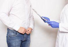 👨⚕️ Priapismus ist eine verlängerte Erektion des Penis.  Es führt dazu, dass Blut im Penis eingeschlossen wird und nicht mehr durch die Penisarterien abfließen kann. Obwohl Priapismus insgesamt eine seltene Erkrankung ist, tritt er häufig in bestimmten Gruppen auf, beispielsweise bei Menschen mit Sichelzellenanämie. 🤦♂️ #priapismus #potenzproblemen #sexleben #arzneimittel #sexualkrankheit #manner Diabetes, Long Sleeve, Euro, Animal, Vacuum Pump, It Works, Surgery, Knowledge, People