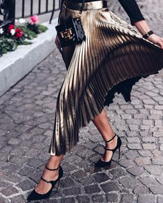 40+ Metallic Rockin' Retro Fashion Matching Pieces That'll Be Must Have