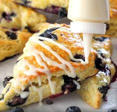 Biscuits, American Food, Croissants, Bolognese, Bake Sale, Doughnut, Tiramisu, Muffins, Brunch