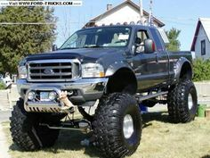 Nicely accessorized and lifted Ford!