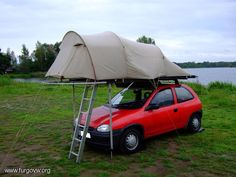 View topic - roof tent self Built, on the car roof tents - so it goes Car Top Tent, Diy Roof Top Tent, Diy Tent, Top Tents, Small Camping Trailer, Truck Camping, Camping World, Camping Gear, Roof Rack Tent