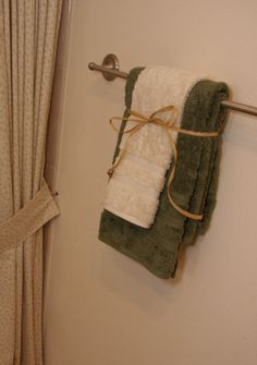 ways to display bathroom towels - Google Search | Home Staging ...