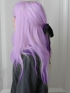 Lovw the colour of her hair and especially how it murges to darker purple towards the ends <33 x