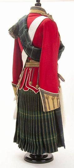 Scottish Army, Scottish Kilts, Scottish Tartans, Scottish Clans, Scottish Costume, Scottish Dress, Celtic Clothing, British Uniforms, Men In Kilts