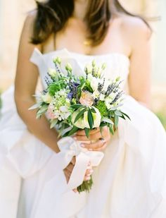 Romantic bouquet for a destination wedding in France, planned by Haute Wedding