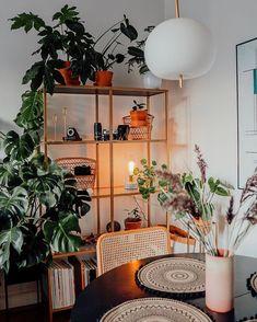 """Wnętrzności - wnętrza i życie na Instagramie: """"😴🥱😴 Wy też macie taki problem z obudzeniem się, czy tylko my jesteśmy nienormalni? 😴 #wnetrznosci #mieszkanie #interior4inspo…"""" Shelving, Instagram, Home Decor, Shelves, Decoration Home, Room Decor, Shelving Units, Home Interior Design, Shelf"""