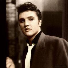 Most Beautiful Man, Gorgeous Men, Elvis Presley Images, Young Elvis, Ann Margret, Steve Harvey, George Vi, Graceland, Vintage Glamour