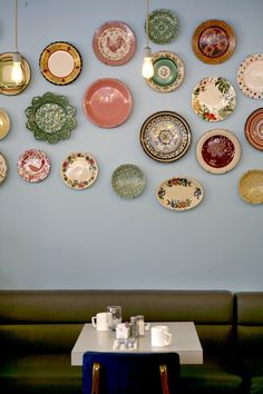 Brilliant Ideas For Arranging A Plate Wall