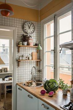 Kitchen Interior, Kitchen Design, Couch Magazin, Scandinavian Apartment, Kitchen Stories, Kitchen Dinning, Interior Inspiration, Decorating Your Home, Architecture
