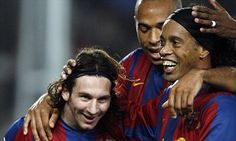 Ronaldinho: Barca squad asked Rijkaard to promote Messi to first team #DailyMail