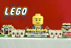 20 Lego Birthday Parties and Lego Cakes {printables}