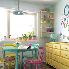 Cute table and chairs Dream Decor, Dining Room Design, Vintage Kitchen, Interior Design Living Room, House Colors, Kitchen Decor, Home Goods, Sweet Home, Decoration