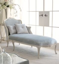 High End Designer Italian Chaise Longue If I can ignore the price tag