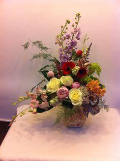 Aranjament de oferit Floral Wreath, Wreaths, Home Decor, Floral Crown, Decoration Home, Door Wreaths, Room Decor, Deco Mesh Wreaths, Home Interior Design