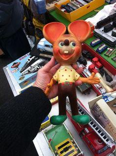 Flea Market Vienna. Vintage Rubber Toy. # vintagetoy #rubbertoy #squeakytoy