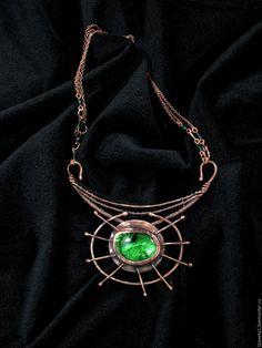Купить Hypnosis of alien - ярко-зеленый, эффектное колье, зелёное колье, колье зеленое