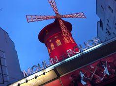 PARIGI | Moulin Rouge, Montmartre Foto ricordo by fan © Valentina Caiazzo