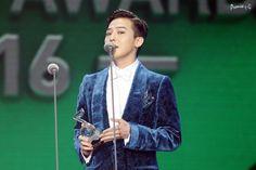 160323 G-Dragon - 2016 QQ Music Awards