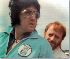 Elvis Presley in Shreveport on July 1, 1976 (also in the photo is Red West)