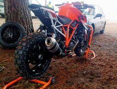 KTM SUPER DUKE 1290R CROSS LOL Ktm Super Duke, Honda Cbr 600, Ktm Duke, Motorbikes, Retro, Beast, Automobile, Adventure, Vehicles