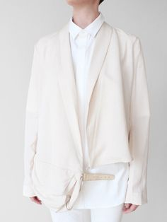 cream -- love the tonal bi-level look here. a twist on Diane Keaton. xoPiper