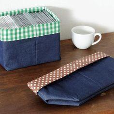 折り畳んでコンパクト!CDも収納できるリバーシブルの小物入れの作り方(布小物) | ぬくもり Sewing Crafts, Sewing Projects, Sewing Diy, How To Make Purses, Origami Paper Art, Diy Purse, Diy Interior, Quilted Bag, Knitting Accessories