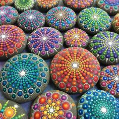 Collection of painted mandala stones by Elspeth McLean Mandala Art Mandala Art, Mandala Rocks, Mandala Painting, Pebble Painting, Dot Painting, Pebble Art, Stone Painting, Stone Mandala, Easy Mandala