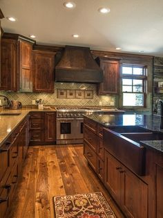 farmhouse kitchen 622130136010844618 - Rustic Kitchen Ideas – Browse photos of rustic kitchen layouts. Discover ideas for your mountain design kitchen remodel or upgrade with ideas for storage space, company, layout and also … Source by birchallmarilou Rustic Kitchen Design, Home Decor Kitchen, New Kitchen, Kitchen Dining, Awesome Kitchen, Kitchen Designs, Kitchen Sinks, Country Kitchen, County Kitchen Ideas
