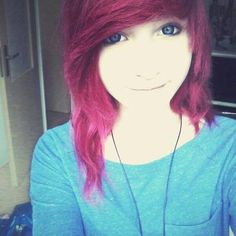 Scene and emo hair adicted famous presents its new categories of girls emos girls Scene  Remember not stop giving like: follow me on my board ---->     Ideas for emo girls to cut hair   .... #RedHair *o*