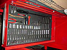 SNAP-ON TOOLBOX WITH SNAP ON TOOLS