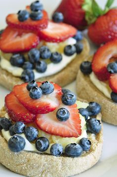 Fruit Pizza!! So easy and fast, super great treat in the summer for the kids, hot day kid food, berries, inexpensive, fun to make! 4th of July fun food!