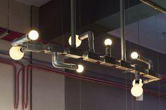 iluminacao com eletrodutos metálicos expostos - Pesquisa Google