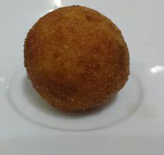 Bolinho de risoto (Arancino) Muffin, Breakfast, Food, Risotto, Cupcake, Morning Coffee, Essen, Muffins, Meals