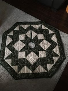 Quilts, Rugs, Home Decor, Homemade Home Decor, Comforters, Patch Quilt, Types Of Rugs, Kilts, Rug