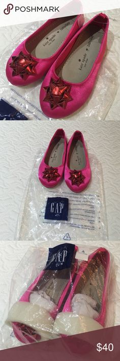 ❤️NWT Kate Spade Kids Fuchsia Red Bow Flats Brand new in packaging. Kate Spade Kids Fuchsia Red Bow Flats. Bought these for my little girl and she never used them. These were from the GapKids Kate Spade collection. kate spade Shoes Slippers