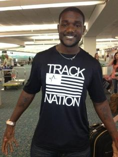 5-time Olympic medalist Justin Gatlin Justin Gatlin, Shot Put, Dont Look Back, Discus, Track And Field, Gorgeous Men, Athletes, Olympics, Hobbies
