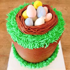Last day to get #Easter inspired #cupcakes and #cakes at the shop today!!   or  to 6326 San Pablo Ave., #Oakland   ☎️ 510-596-8834 to reserve.  Hope to see you! FYI: we'll be closed tomorrow #eastersunday. #thankyou  #jamesandthegiantcupcake #jatgc #oaklandeats #bayareaeats #easterbunny #cupcakestagram #yummy